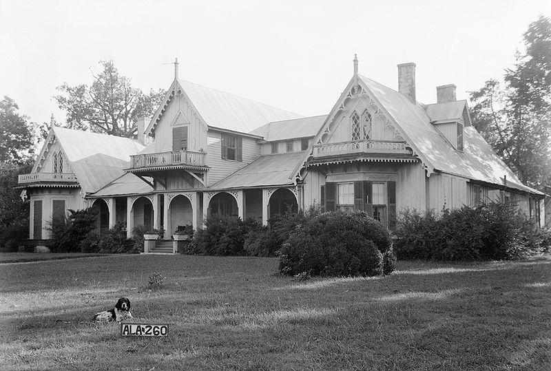 Figure 1 Waldwic House and Outbuildings, 1935. commons.wikimedia.org