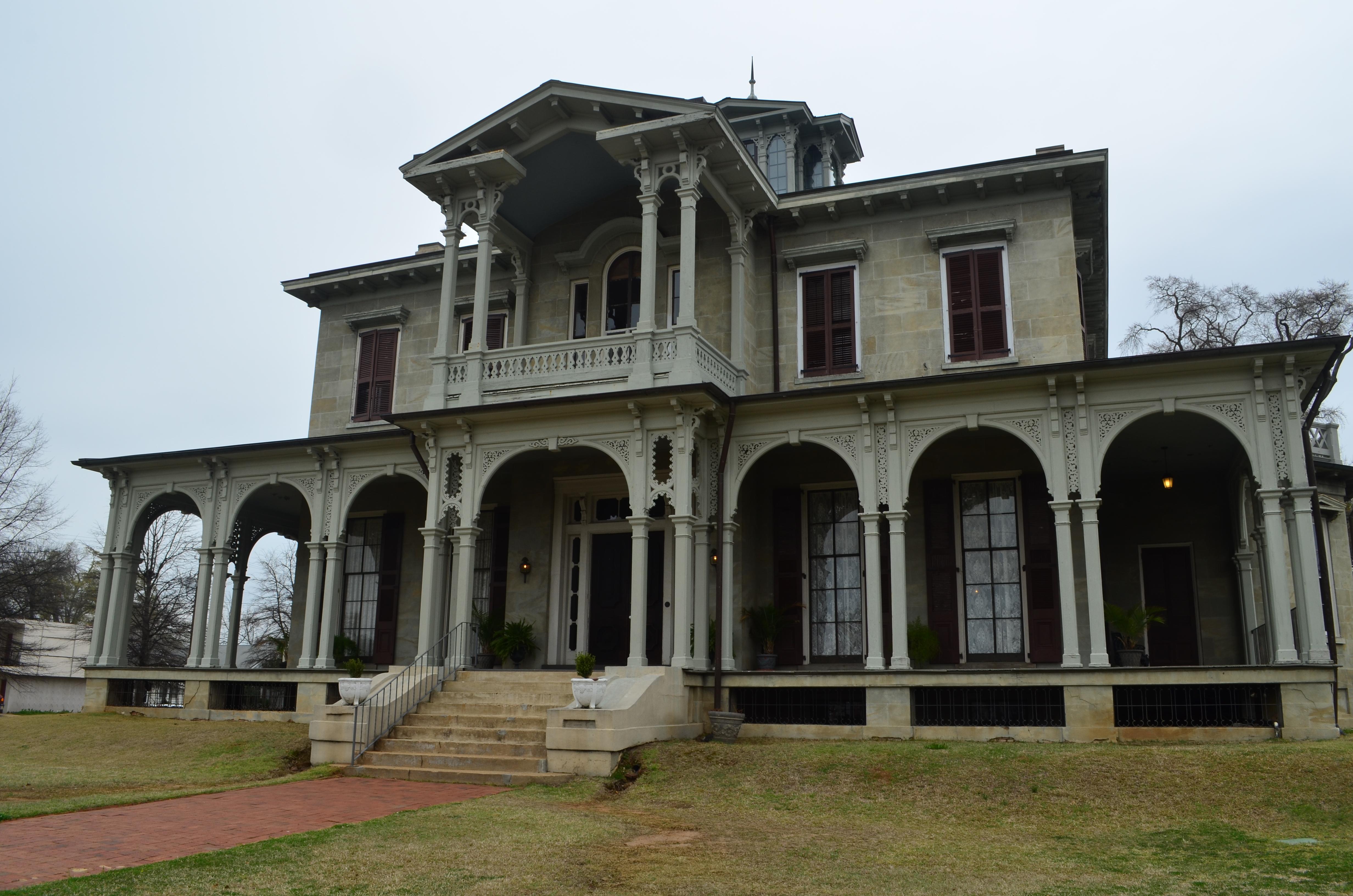 Jemison van de graaff mansion alabama architecture for Mansion architecture